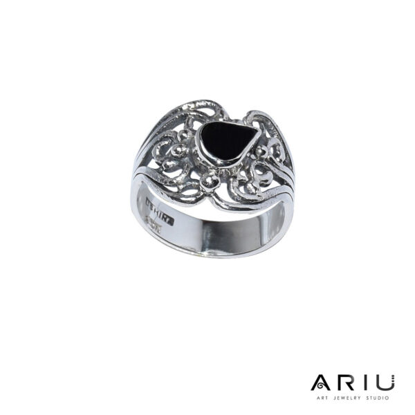 Ariu Collection - Ivy ring