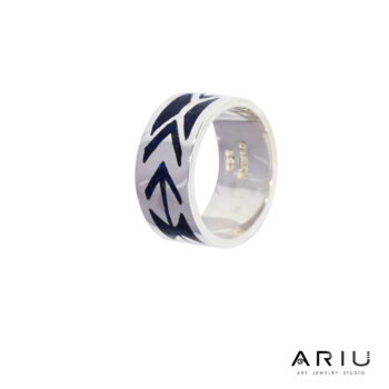 Ariu Collection - Arrow Ring