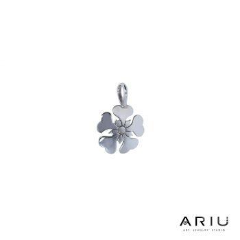 Ariu Collection - Poppy Pendant
